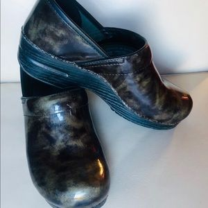 Dansko Clogs Patent Leather Green Marbled size 40
